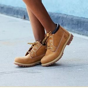 Timberland Women's Nellie Chukka Boots, Size 8.5M